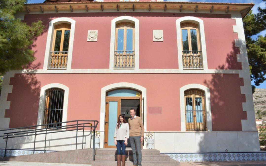 El Ayuntamiento de Elda renueva la cesión de la Casa Colorá como sede del Punto de Atención Itinerante a las víctimas de violencia de género Notícies de proximitat - #Elda