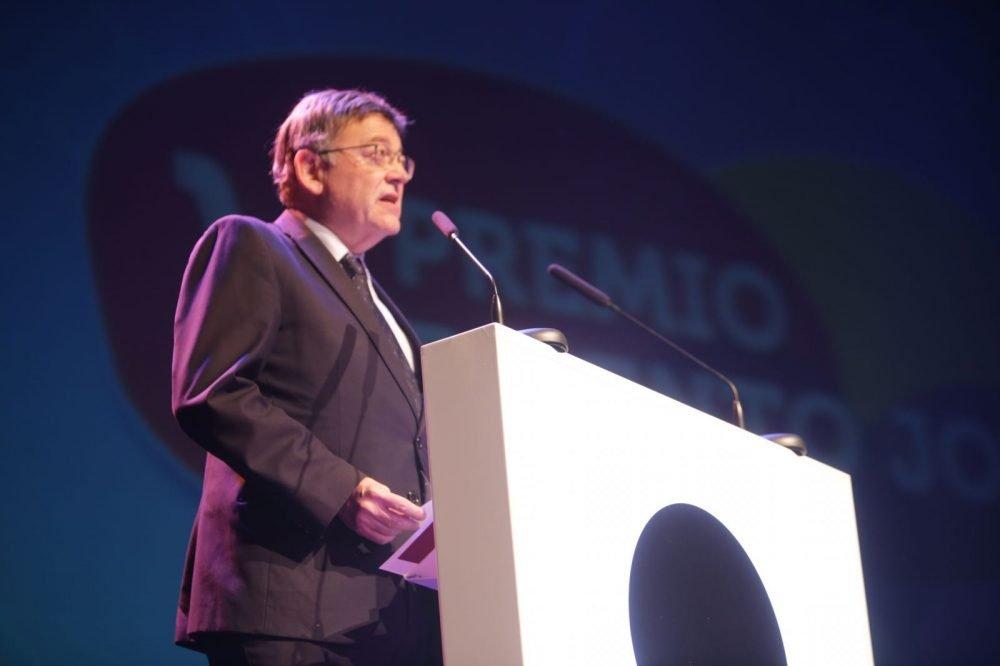 Puig asiste a la entrega de los Premios Talento Joven CV Actualitat