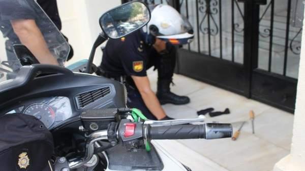 Tres detinguts per assaltar una vivenda i enfrontar-se al propietari a Alacant Successos