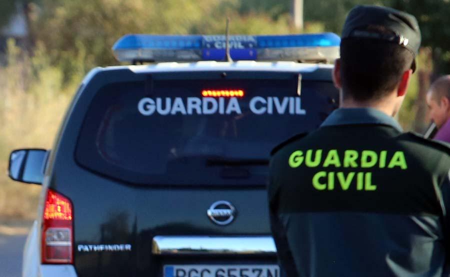 Especialistas en alertas químicas destruyen un sobre con 2 ampollas abandonado en Alicante Successos