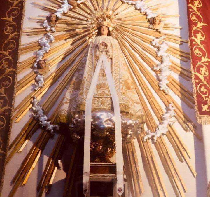 Diumenge es celebrarà a Monòver el tradicional Besamans a la Mare de Déu del Remei Monòver