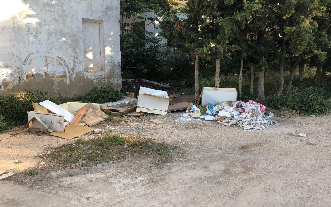 """Veïns es queixen de l'estat """"de brutícia"""" que es presenta en la zona del """"Mataó"""" de Monòver Denúncia Social"""