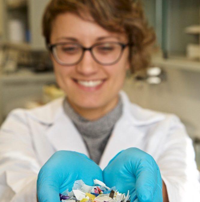 La científica monovera, Andrea Cabanes, aconsegueix «augmentar el valor dels plàstics després de reciclar-los» Entrevistes