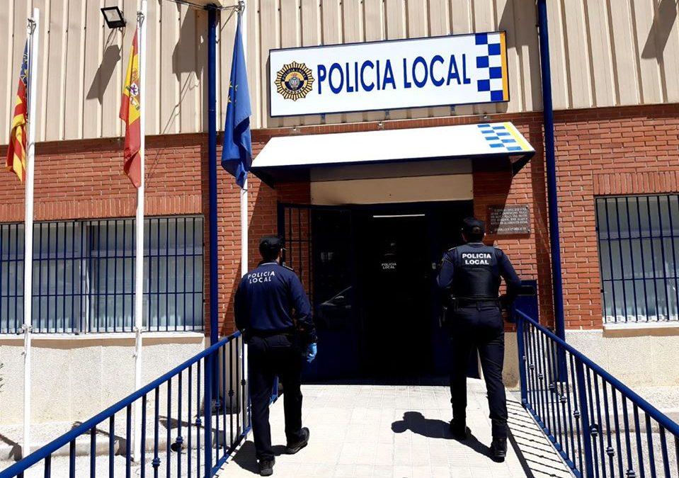 La Policia Local de Monòver intercepta a un home que, presumptament, havia comés «hurtos a supermercats locals» Successos