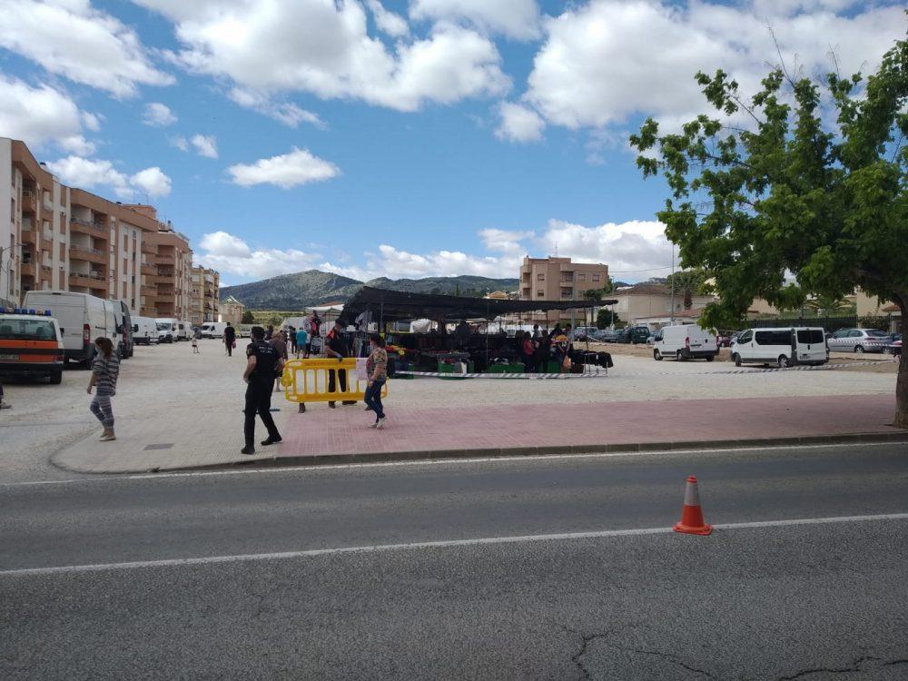 El mercat ambulant dels dilluns «continuarà obert i amb les mateixes condicions» al Camp de Marín de Monòver Notícia destacada
