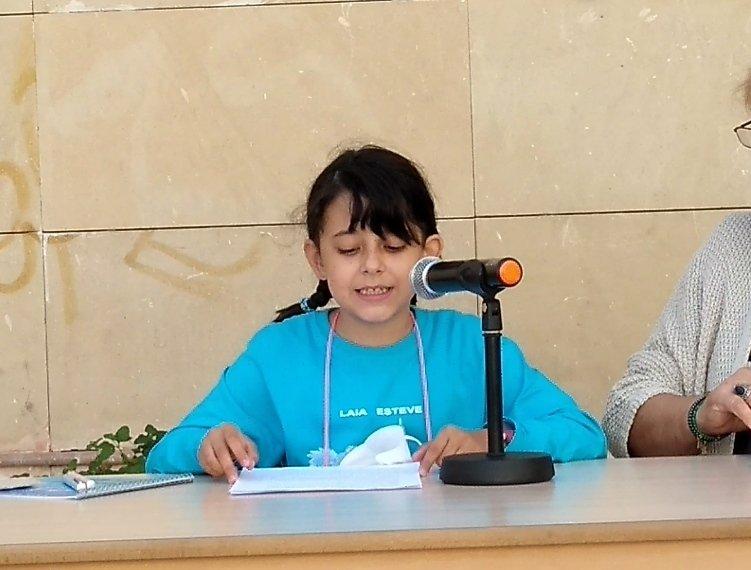 Laia Esteve presenta el seu primer conte acompanyada per «majors i xiquets» Notícia destacada
