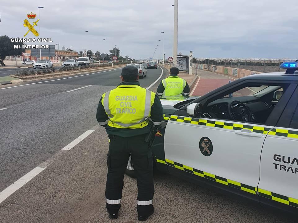 La Guardia Civil esclarece un delitos contra la seguridad vial en Monforte del Cid Successos